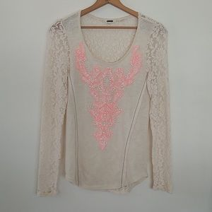 Miss Me long sleeved lace back shirt EUC Medium